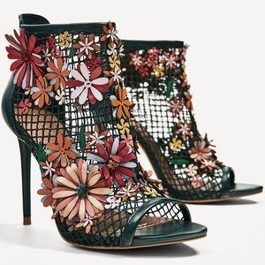 Zara green mesh net 3D  floral heels rare